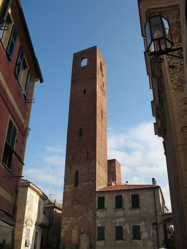 Torre dei 4 canti a Noli Ligure